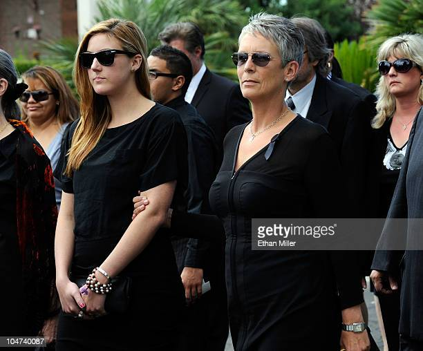 Actress Jamie Lee Curtis and her daughter Annie Guest attend the funeral for Curtis' father actor Tony Curtis at Palm Mortuary Cemetary October 4...