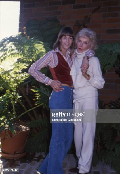 Actress Jamie Lee Curtis and her mother actress Janet Leigh pose for a portrait session in 1979 in Los Angeles, California.