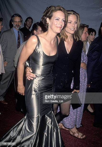 Actress Jamie Lee Curtis and sister Kelly Curtis attend the 'True Lies' Westwood Premiere on July 12 1994 at Mann Village Theatre in Westwood...