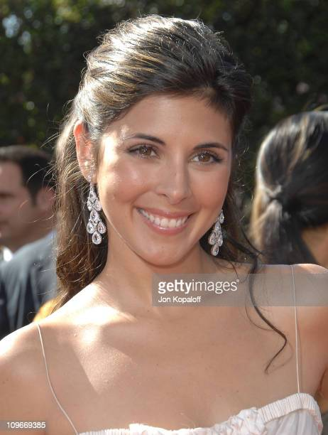 Actress Jamie Lynn-Sigler arrives at the 59th Primetime EMMY Awards at the Shrine Auditorium on September 16, 2007 in Los Angeles, California.
