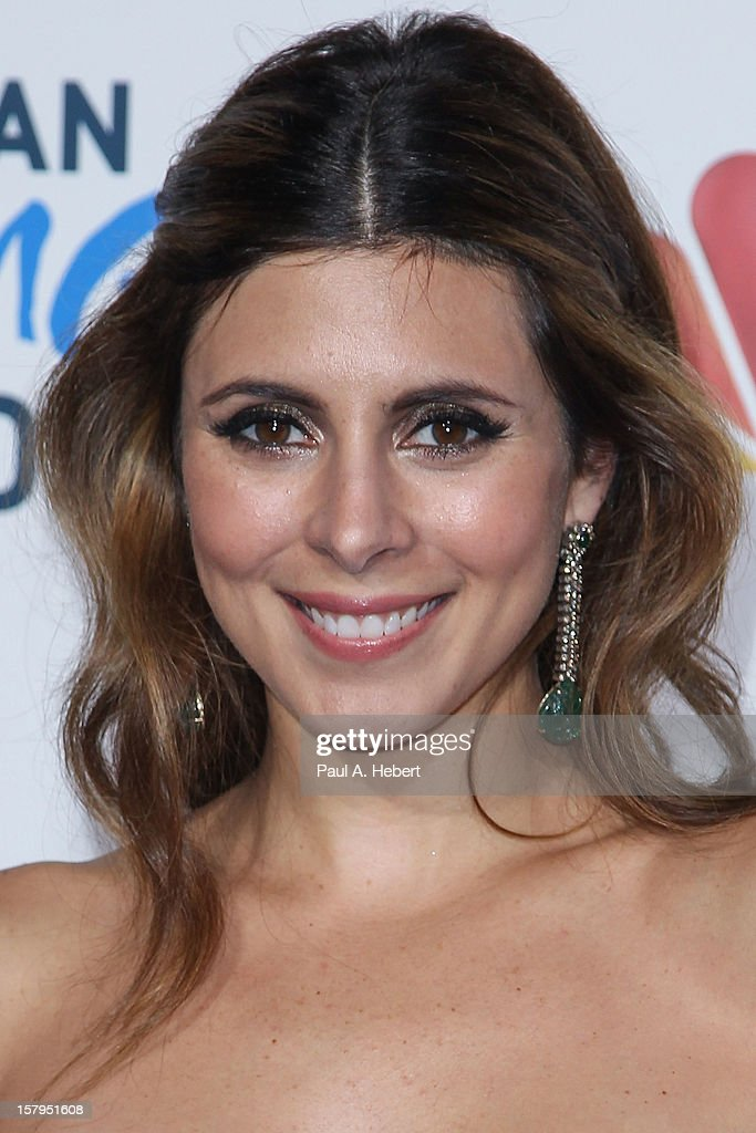 Actress Jamie-Lynn Sigler arrives at the 2nd Annual American Giving Awards presented by Chase held at the Pasadena Civic Auditorium on December 7, 2012 in Pasadena, California.