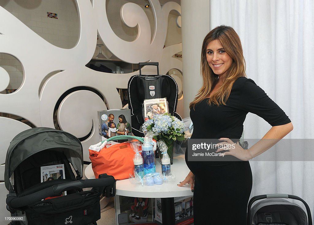 Jamie Lynn Sigler's Baby Shower Benefitting Baby Buggy At Sugar And Plumm Sponsored By Britax/BOB, Cloud B And Hanky Panky, And Serena & Lily : News Photo