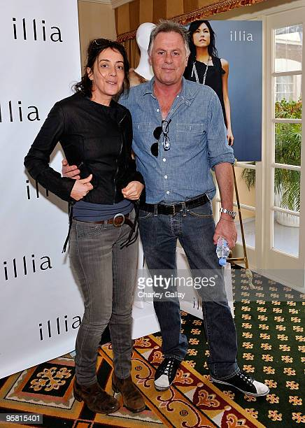 Actress Jane Adams visits the Illia display during the HBO Luxury Lounge in honor of the 67th annual Golden Globe Awards held at the Four Seasons...