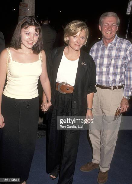 Actress Jane Curtin Patrick Lynch and daughter Tess Lynch attend 'The Peacemaker' Hollywood Premiere on September 23 1997 at Mann's Chinese Theatre...