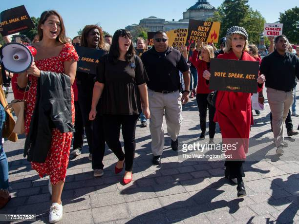 WASHINGTON DC OCTOBER Actress Jane Fonda and others marche to the steps of the East Front of the US Capitol in Washington DC on October 2019 They...