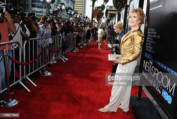 Actress Jane Fonda arrives at HBO's New Series 'Newsroom' Los Angeles Premiere at ArcLight Cinemas Cinerama Dome on June 20 2012 in Hollywood...