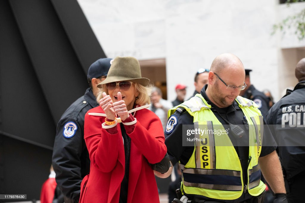 Jane Fonda Arrested During A Climate Change Protest In Washington : News Photo