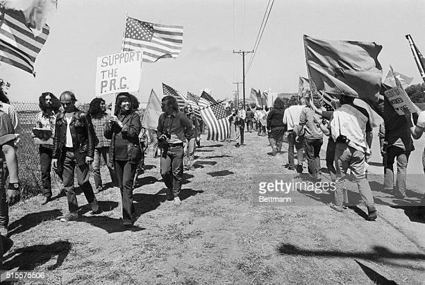 Actress Jane Fonda leads a group of activists in a protesting picket line at the entrance to the Wesyern White House where President Nixon is hosting...