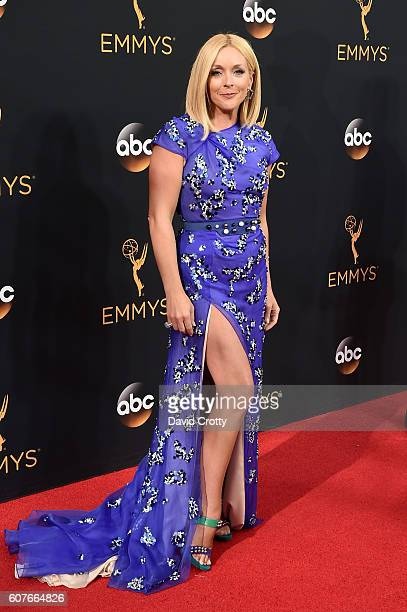 Actress Jane Krakowski attends the 68th Annual Primetime Emmy Awards at Microsoft Theater on September 18, 2016 in Los Angeles, California.