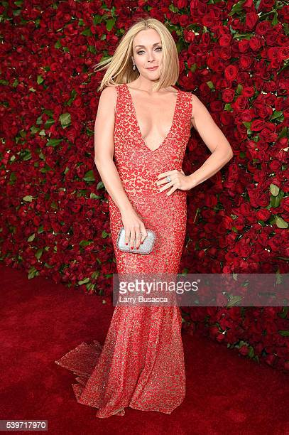 Actress Jane Krakowski attends the 70th Annual Tony Awards at The Beacon Theatre on June 12, 2016 in New York City.