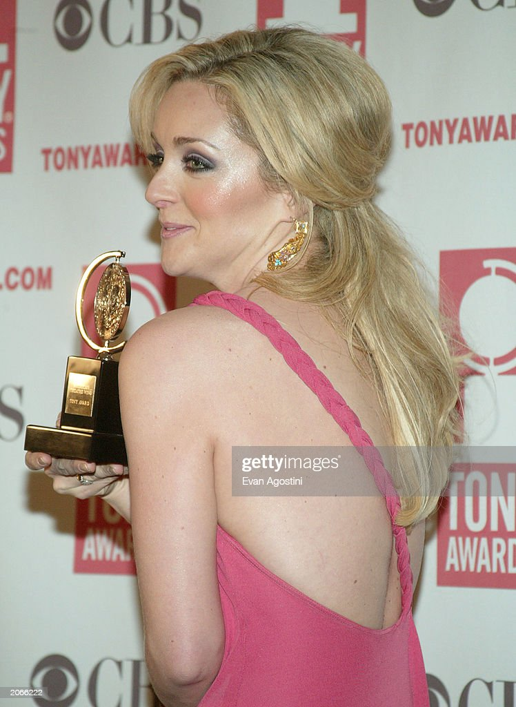 Actress Jane Krakowski poses backstage after winning the 'Best Featured Actress in a Musical' award for 'Nine the Musical' at the '57th Annual Tony Awards' at Radio City Music Hall on June 8, 2003 in New York City. The Tony Awards are presented by the League of American Theatres and Producers and the American Theatre Wing.