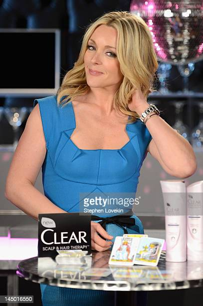 Actress Jane Krakowski predicts that great hair will lead to your 'best night ever' as part of a new TV vignettes sponsored by CLEAR SCALP HAIR...