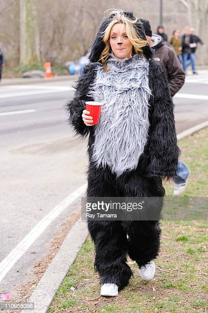 Actress Jane Krakowski walks to her trailer at the '30 Rock' film set in Central Park on March 22 2011 in New York City