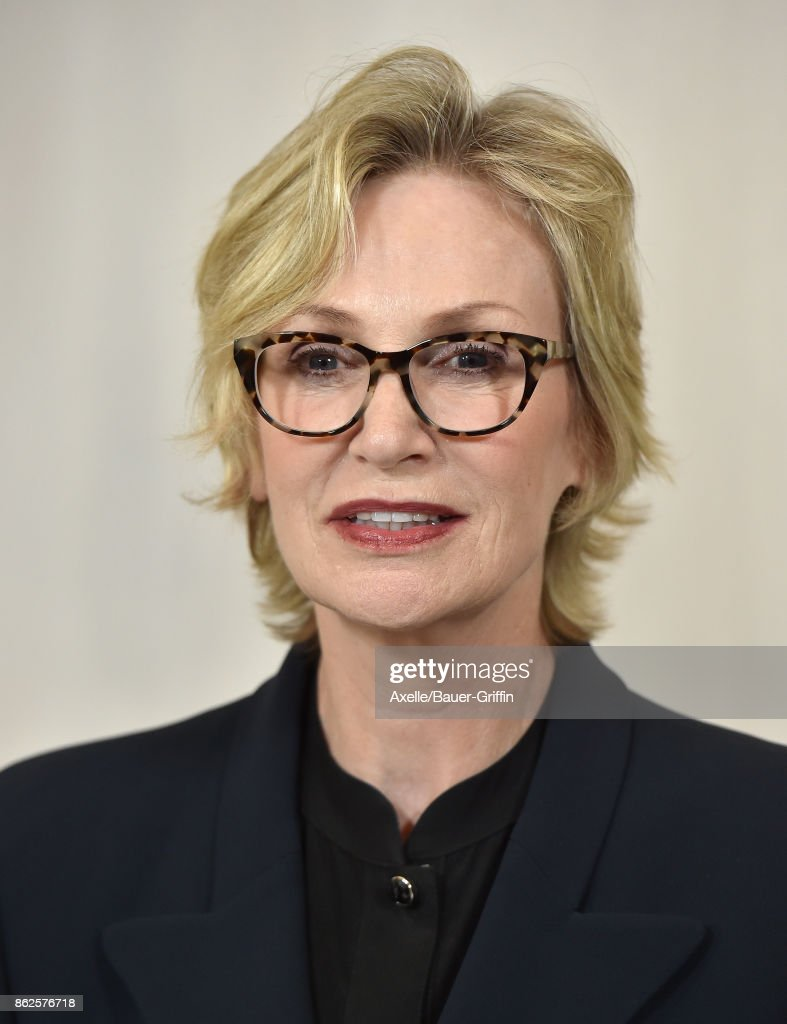 Actress Jane Lynch arrives at Hammer Museum Gala in the Garden on October 14, 2017 in Westwood, California.