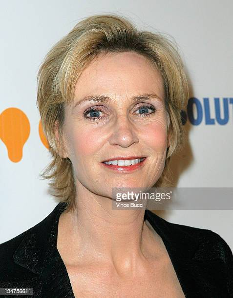 Actress Jane Lynch arrives at the 20th Annual GLAAD Media Awards held at NOKIA Theatre LA LIVE on April 18, 2009 in Los Angeles, California.