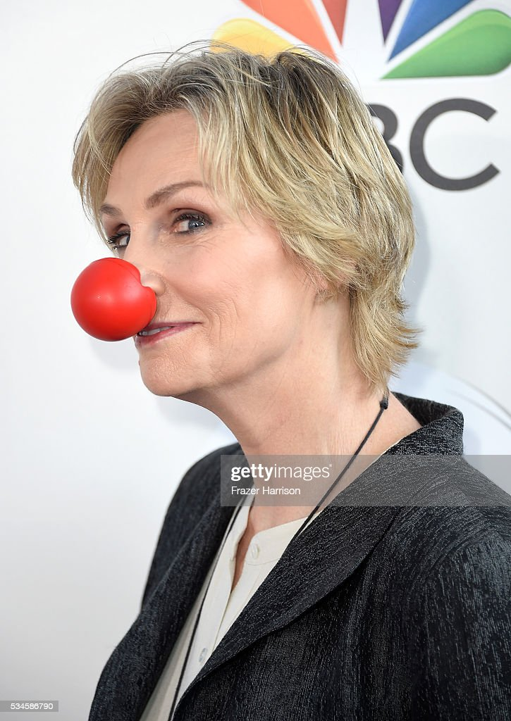 Actress Jane Lynch arrives at The Red Nose Day Special on NBC at Alfred Hitchcock Theater at Universal Studios on May 26, 2016 in Universal City, California.