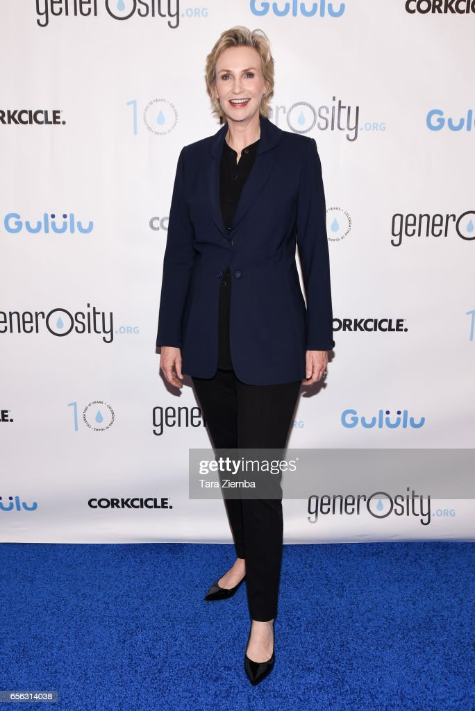 Actress Jane Lynch attends a Generosity.org fundraiser for World Water Day at Montage Hotel on March 21, 2017 in Beverly Hills, California.