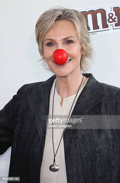 Actress Jane Lynch attends the Red Nose Day Special on NBC at the Alfred Hitchcock Theater at Alfred Hitchcock Theater at Universal Studios on May 26...