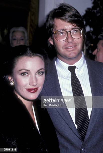 Actress Jane Seymour and David Flynn attend the party honoring Glen Larson on October 2 1985 at Chasen's Restaurant in Beverly Hills California