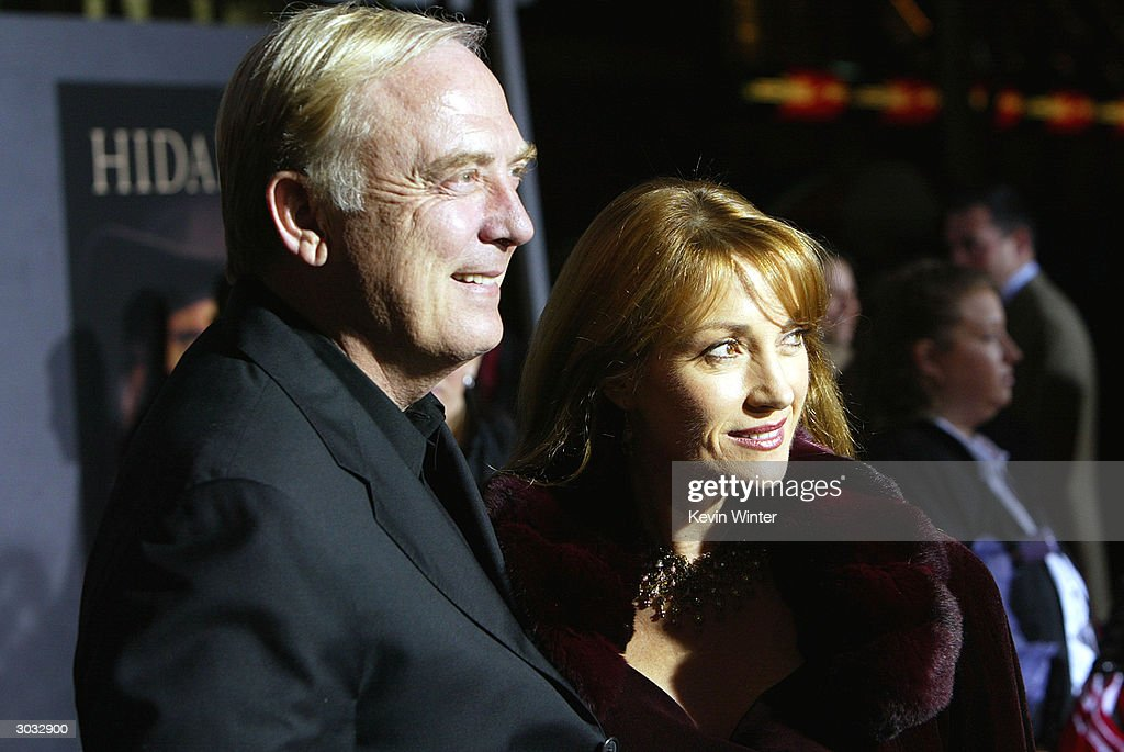 Actress Jane Seymour (R) and her husband James Keach arrive at the premiere of Touchstone's 'Hildago' at the El Capitan Theatre on March 1, 2004 in Los Angeles, California.