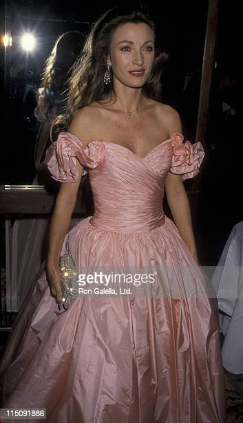 Actress Jane Seymour attends Fifth Annual American Cinematheque Awards Honoring Ron Howard on March 24 1990 at the Century Plaza Hotel in Century...