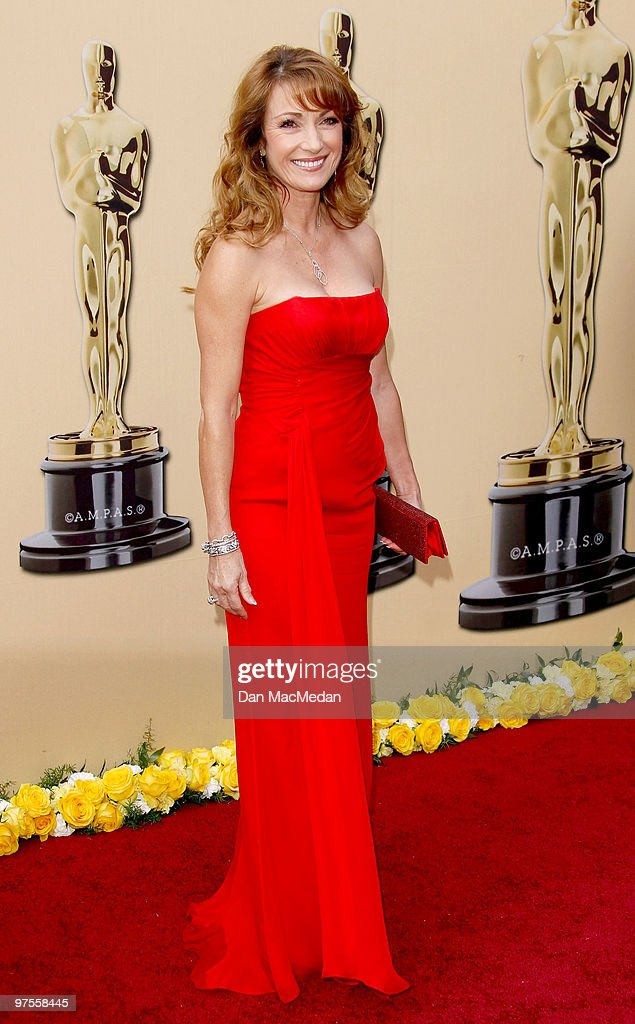 Actress Jane Seymour attends the 82nd Annual Academy Awards held at the Kodak Theater on March 7, 2010 in Hollywood, California.