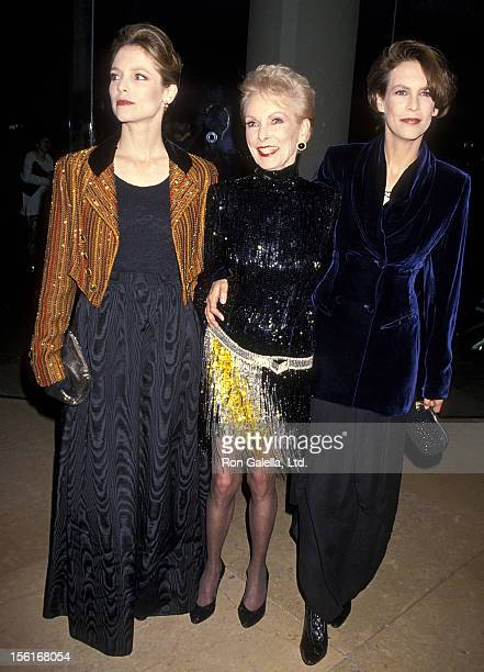 Actress Janet Leigh daughter Kelly Curtis and daughter actress Jamie Lee Curtis attend the 10th Annual American Cinema Awards on February 6 1994 at...