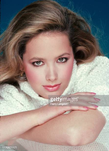 Actress Janine Turner poses for a portrait in 1985 in Los Angeles California