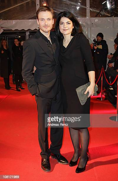 Actress Jasmin Tabatabai and Andreas Pietschmann arrive for the Hindenburg premiere at Kosmos theater on January 18 2011 in Berlin Germany