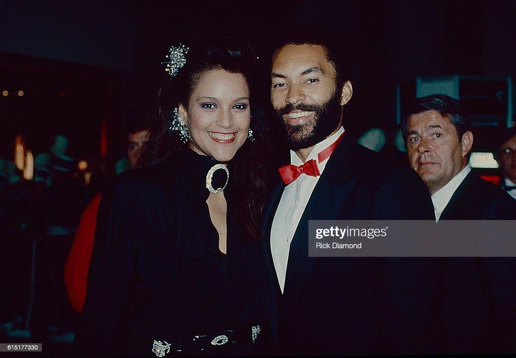 Jayne Kennedy and Bill Overton visit Atlanta : News Photo