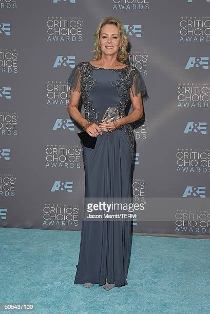 Actress Jean Smart winner of Best Supporting Actress in a Limited Series for 'Fargo' poses in the press room during the 21st Annual Critics' Choice...