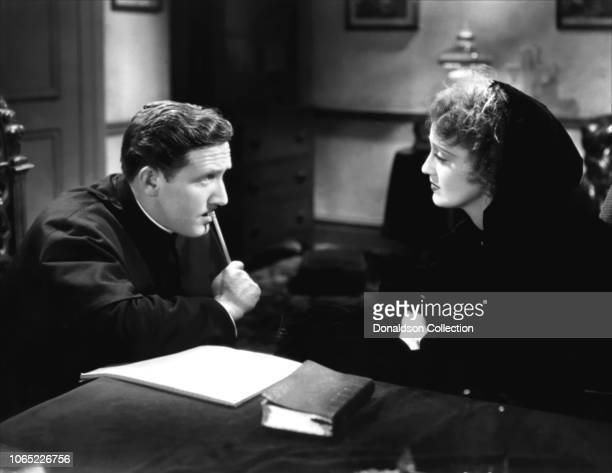 Actress Jeanette MacDonald and Spencer Tracy in a scene from the movie San Francisco