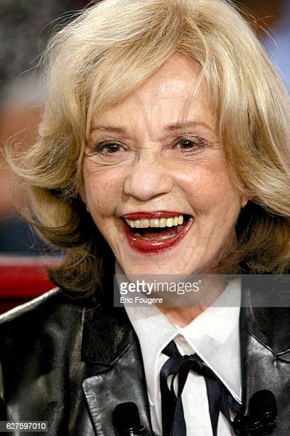 Actress Jeanne Moreau invited at the sunday show 'Vivement Dimanche' presented by Michel Drucker who's guest is the French actress Danielle Darrieux