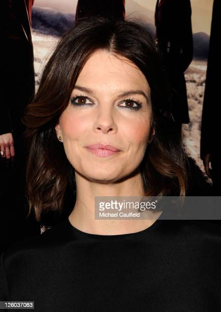 "Actress Jeanne Tripplehorn arrives at HBO's ""Big Love"" Season 5 Premiere held at the Directors Guild Of America on January 12, 2011 in Los Angeles,..."