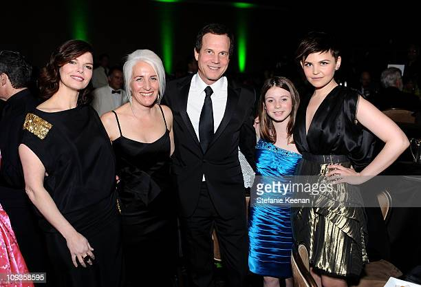 Actress Jeanne Tripplehorn Costume designer Chrisi KarvonidesDushenko actor Bill Paxton and daughter Lydia Paxton and actress Ginnifer Goodwin attend...