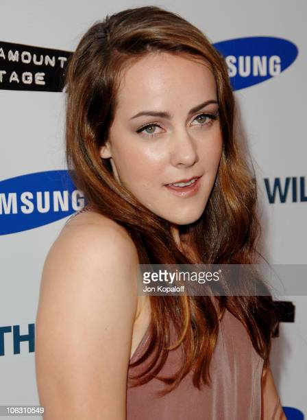 Actress Jena Malone arrives at the Los Angeles Premiere Into The Wild at the Directors Guild of America on September 18 2007 in West Hollywood...