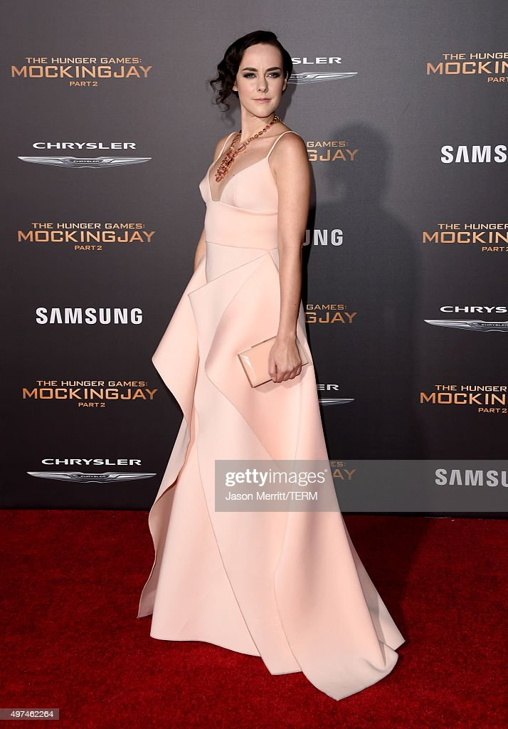 Actress Jena Malone attends the premiere of Lionsgate's 'The Hunger Games: Mockingjay - Part 2' at Microsoft Theater on November 16, 2015 in Los Angeles, California.