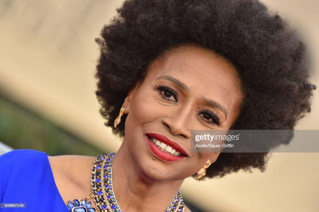 24th Annual Screen ActorsÊGuild Awards - Arrivals : News Photo