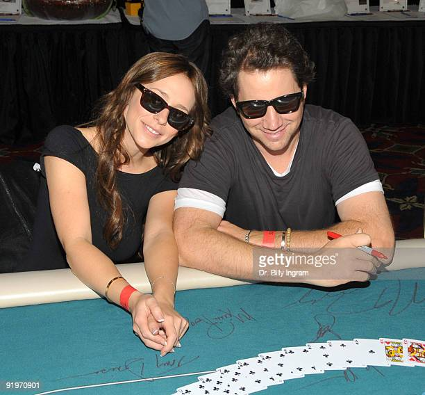 Actress Jeniffer Love Hewitt and actor Jamie Kennedy participate in the Children's Institute ''Poker For A Cause'' Celebrity Poker Tournament at...