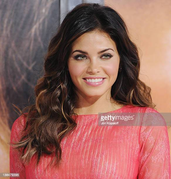 Actress Jenna Dewan arrives at the Los Angeles Premiere The Vow at Grauman's Chinese Theatre on February 6 2012 in Hollywood California
