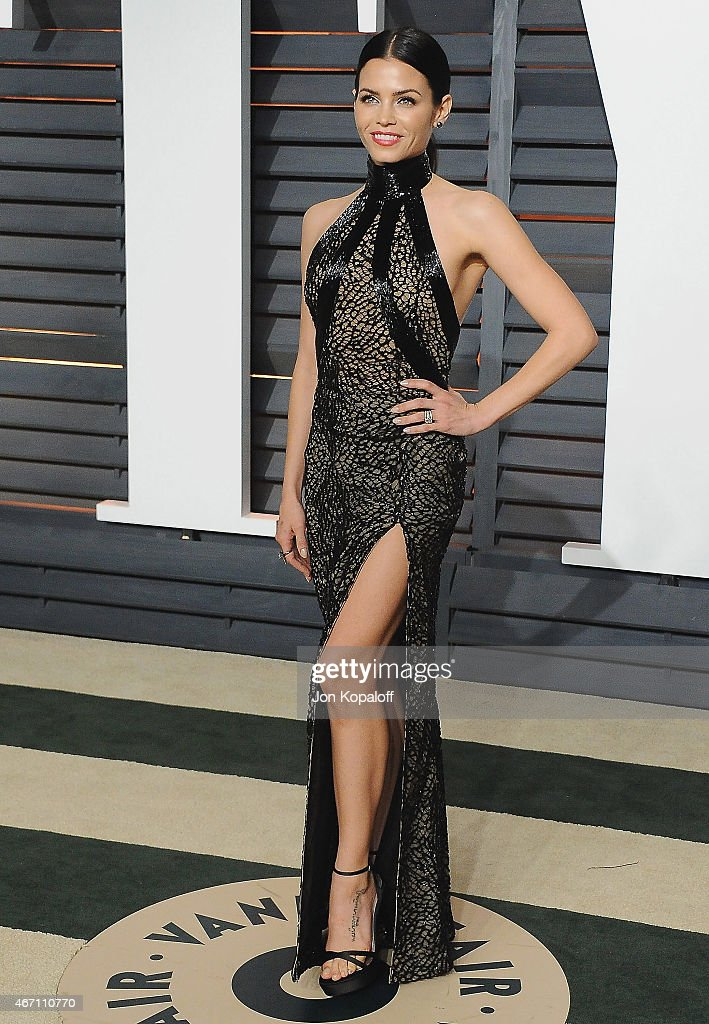 Actress Jenna Dewan Tatum arrives at the 2015 Vanity Fair Oscar Party Hosted By Graydon Carter at Wallis Annenberg Center for the Performing Arts on February 22, 2015 in Beverly Hills, California.