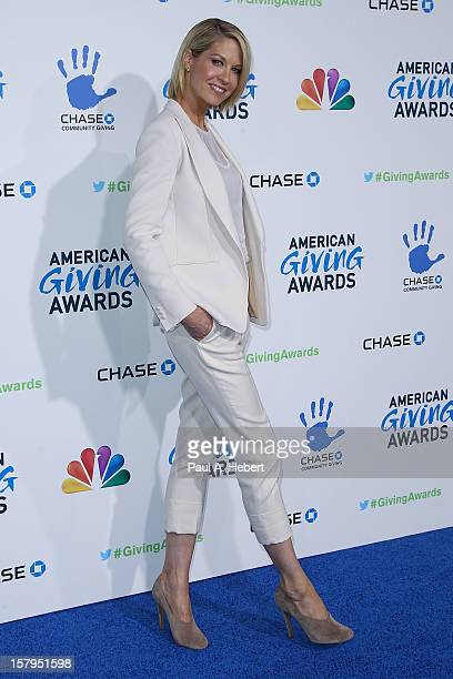 Actress Jenna Elfman arrives at the 2nd Annual American Giving Awards presented by Chase held at the Pasadena Civic Auditorium on December 7 2012 in...