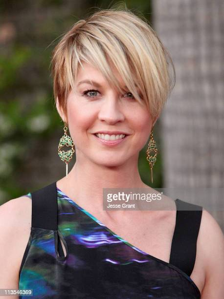 Actress Jenna Elfman arrives at the Backstage at The Geffen Gala Honoring Julie Andrews and CAA held at the Geffen Playhouse on May 2 2011 in Los...