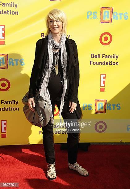 Actress Jenna Elfman arrives at the PS Arts Express Yourself at Barker Hangar on November 15 2009 in Santa Monica California