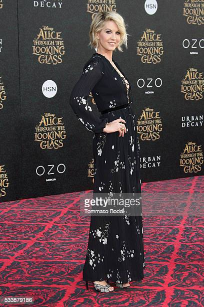 Actress Jenna Elfman attends the premiere of Disney's 'Alice Through The Looking Glass' at the El Capitan Theatre on May 23 2016 in Hollywood...