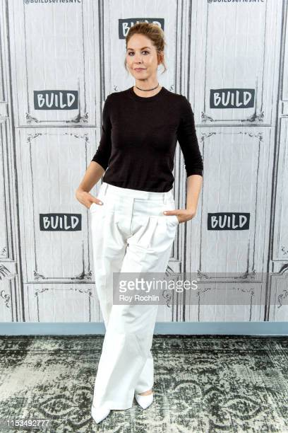 Actress Jenna Elfman discusses season 5 of Fear The Walking Dead with the Build Series at Build Studio on June 03 2019 in New York City