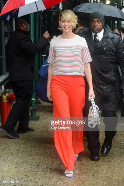 Actress Jenna Elfman leaves the 'AOL Build' taping at the AOL Studios on March 28 2017 in New York City