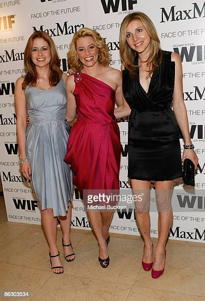 Actress Jenna Fischer actress Elizabeth Banks and actress Sarah Chalke attend the Women in Film MaxMara Face of the Future 2009 Cocktail Party at the...