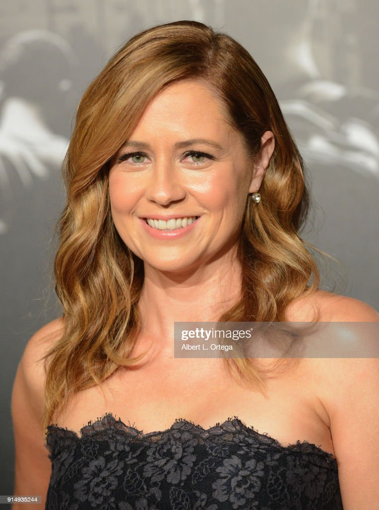 Actress Jenna Fischer arrives for the Premiere Of Warner Bros. Pictures' 'The 15:17 To Paris' held at Steven J. Ross Theater/Warner Bros Studios Lot on February 5, 2018 in Burbank, California.