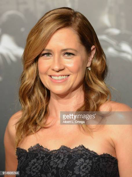 Actress Jenna Fischer arrives for the Premiere Of Warner Bros Pictures' 'The 1517 To Paris' held at Steven J Ross Theater/Warner Bros Studios Lot on...